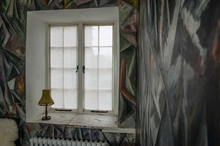 A Bruton blind at The Farmhouse, Hauser & Wirth Somerset. Original design and creation by No Naked Windows of Bruton.